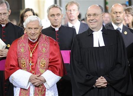 L'antipape Benoît XVI au côté de l'ancien président de « l'église évangélique » d'Allemagne