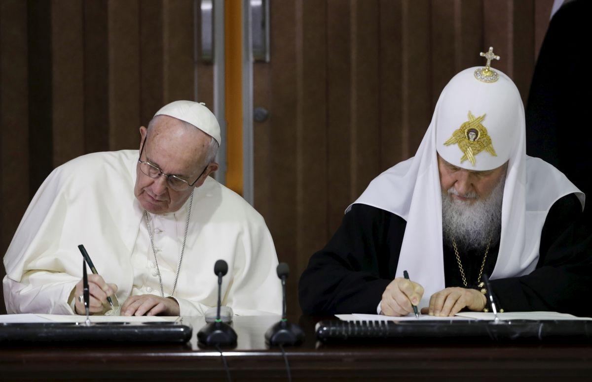 François rejette la papauté et davantage dans la nouvelle déclaration commune avec le schismatique Kirill