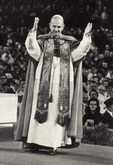 Une autre photo de Paul VI portant le pectoral de l'ephod