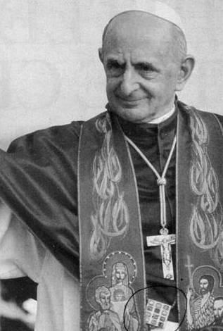 Paul VI portant le pectoral de l'ephod, un vêtement utilisé par les franc-maçons et les grand-prêtres juifs