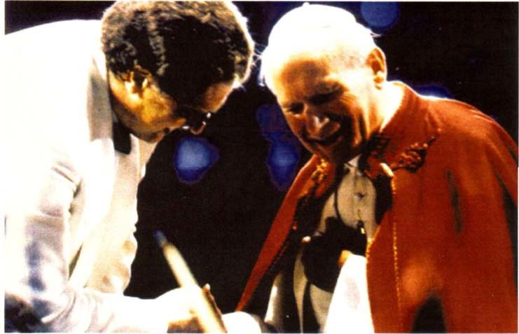 Le maestro juif Gilbert Levine avec Jean-Paul II