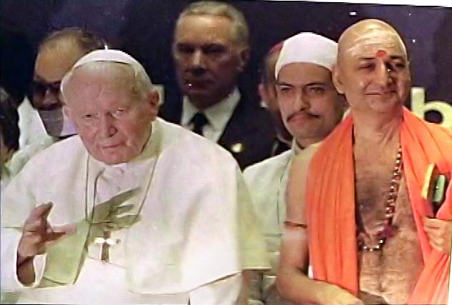 Jean-Paul II aux côtés de païens et idolâtres