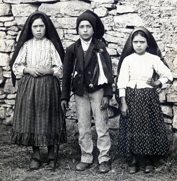 Lucia, Francisco et Jacinta de Fatima