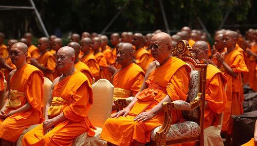 Les bouddhistes reconnaissent de nombreux faux dieux