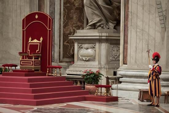 Objection contre le sédévacantisme : « Un interrègne papal de plus de 40 ans est contraire aux promesses du Christ à son Église »