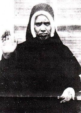 Une autre photo de la vrai soeur Lucie en 1945, à l'âge de 38 ans